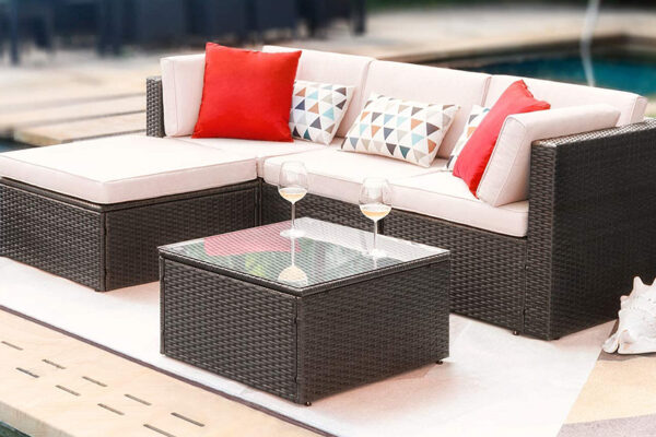 What Material Should You Choose For Your Outdoor Furniture?