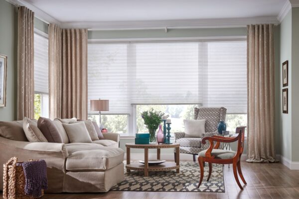 Choose Stunning and High Quality Curtain Blinds for Your Home