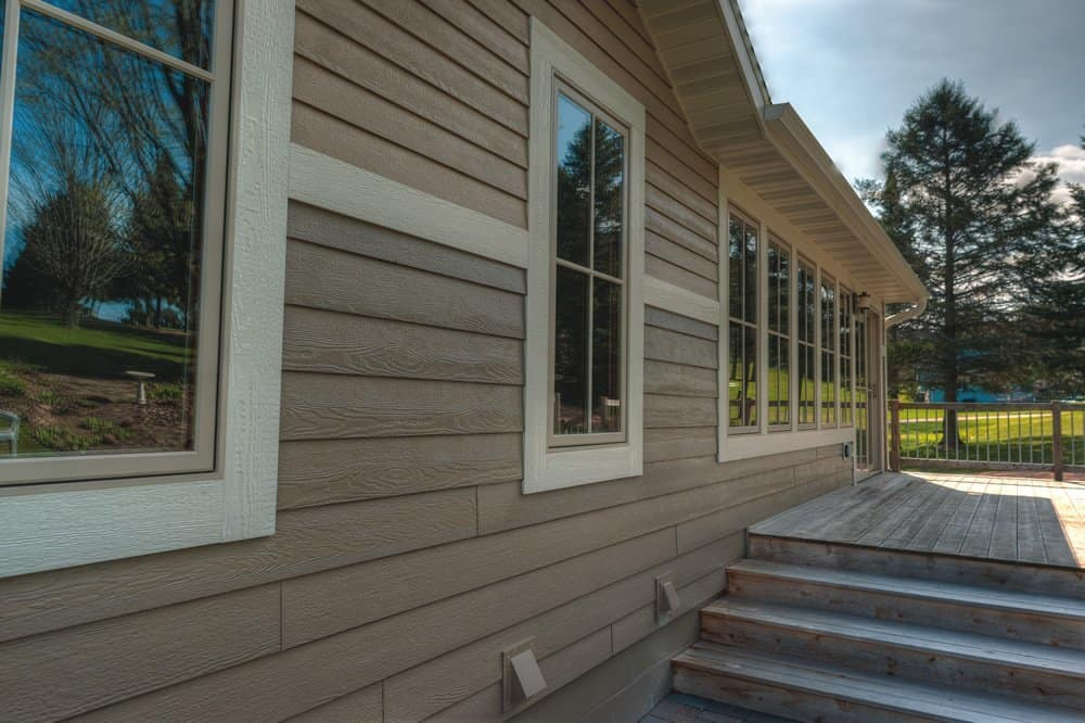 What are the Pros and Cons of Wood Siding for Home Exterior